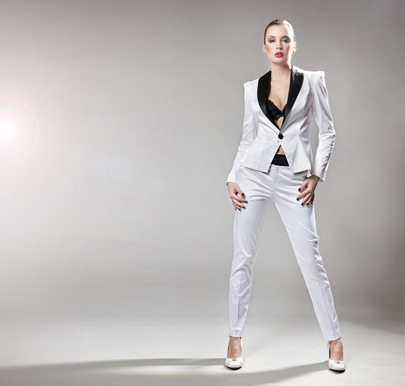 Le costume pour femme