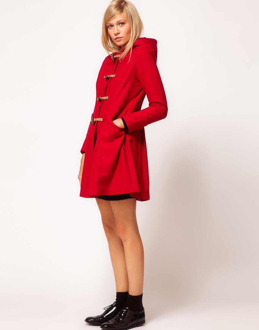 Manteau rouge: la couleur qui me va a ravir