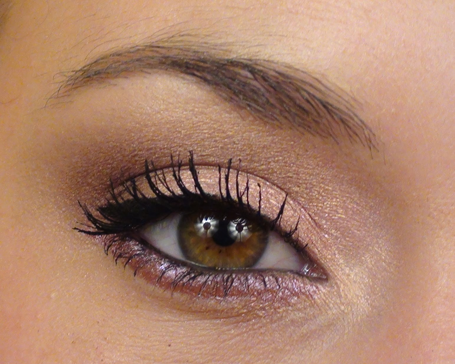 Maquillage yeux marron comment rendre vos yeux sublimes - Maquillage yeux tombants ...