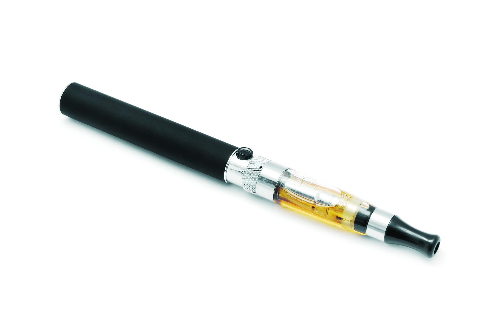 Batterie cigarette électronique : je vous conseille le modèle avec pile