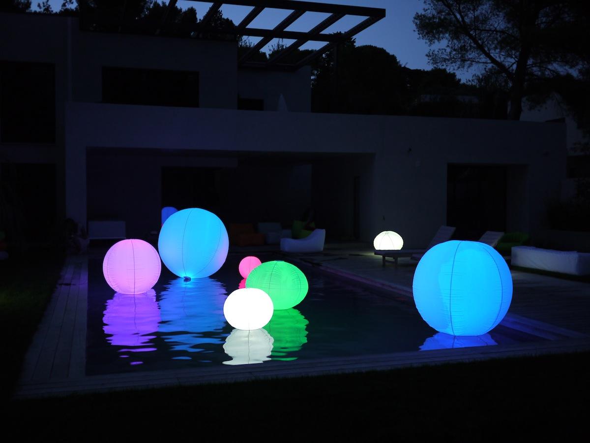 Boule lumineuse jardin : apportez du pep's à votre espace extérieur